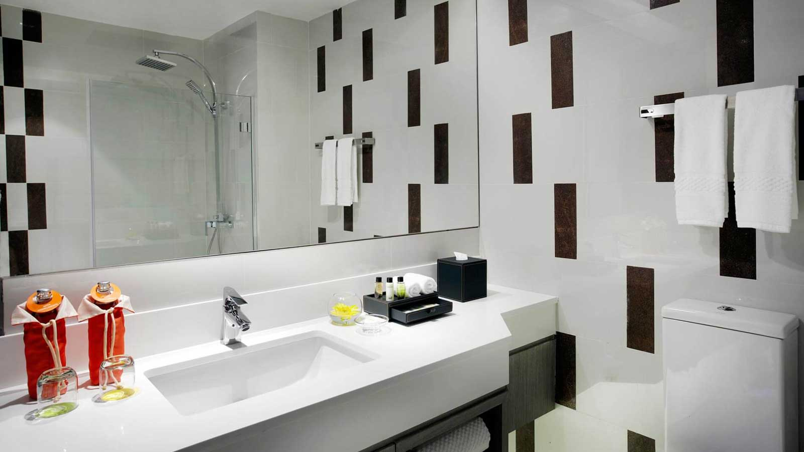 Bathroom in Deluxe Rooms at Amari Buriram United