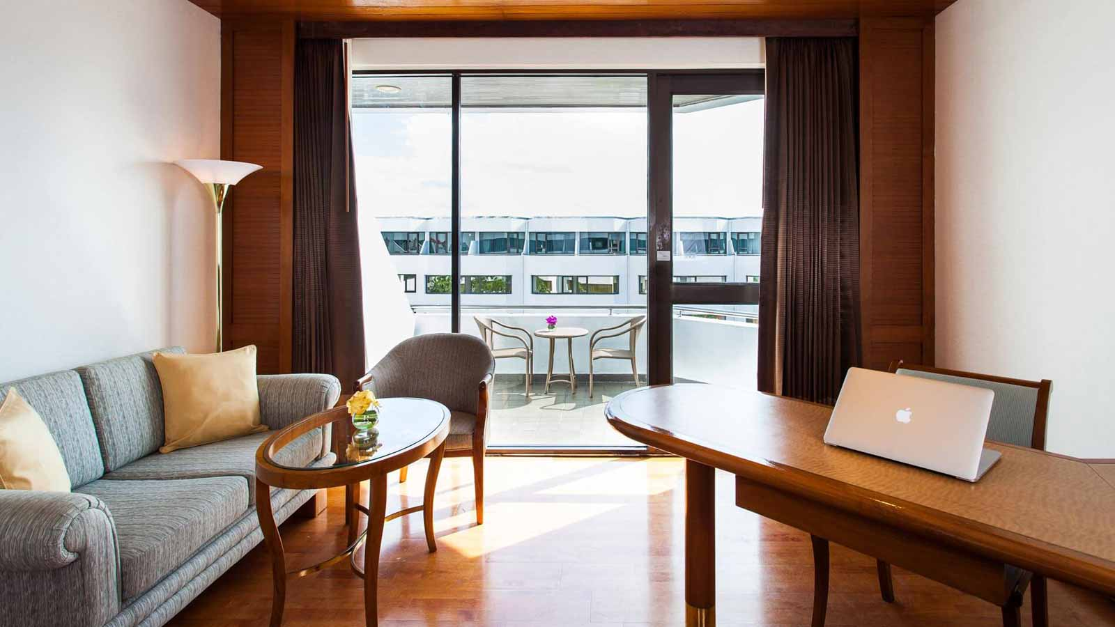 Woring Desk in Grand Deluxe at Amari Don Muang Airport Bangkok