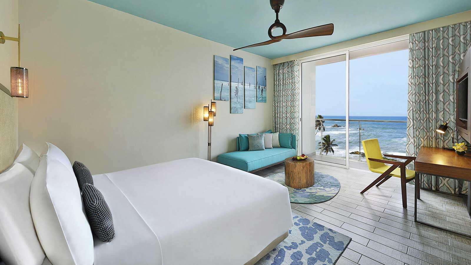 King Bed - Deluxe Ocean View Horizon