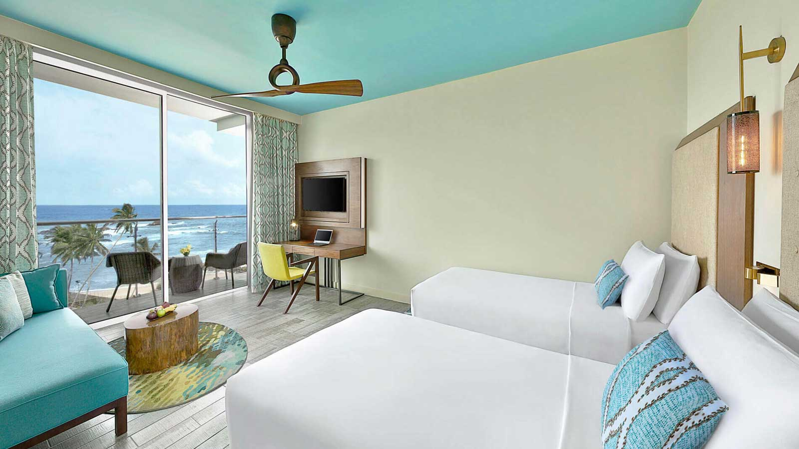 Twin Bed in Deluxe Ocean View Horizon