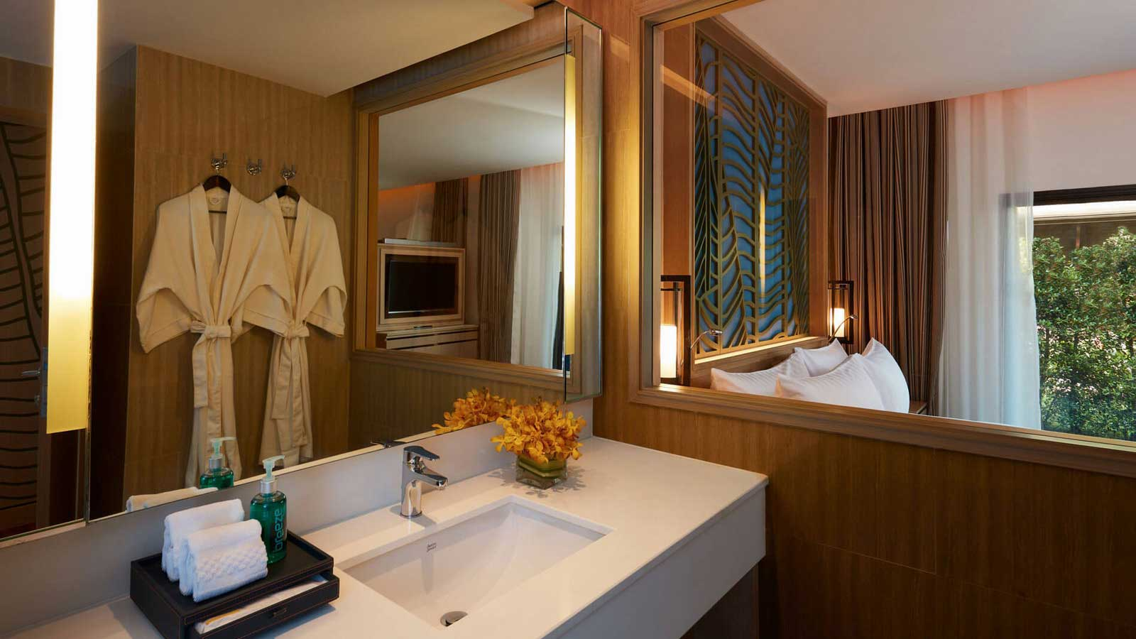 Bathroom in Junior Suite Ocean View