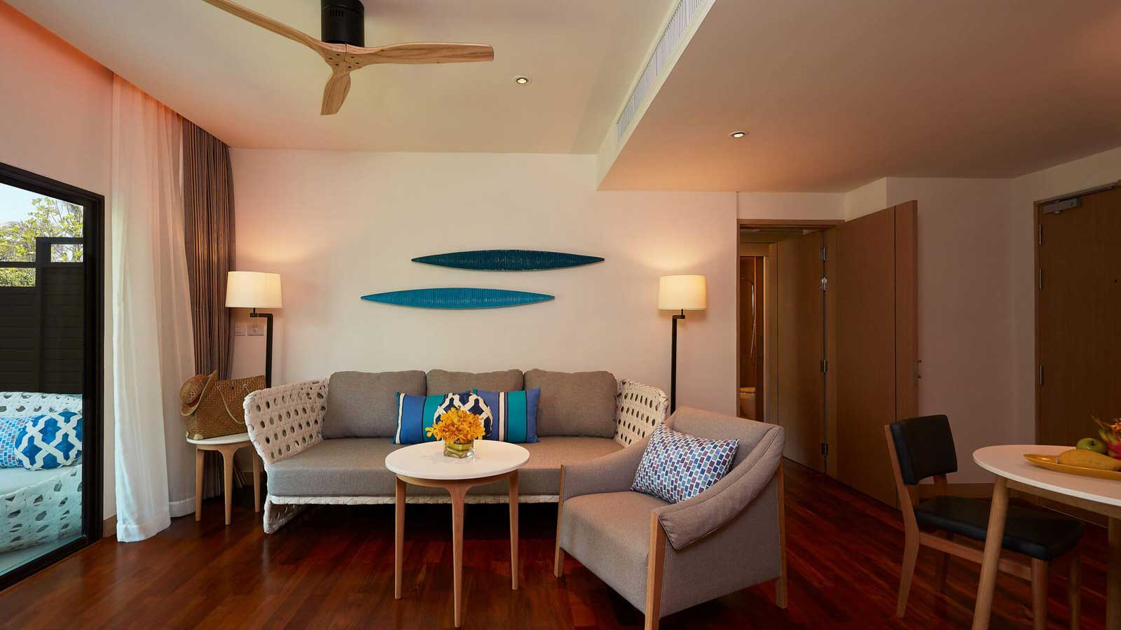 Living Area in Junior Suite Beach Wing