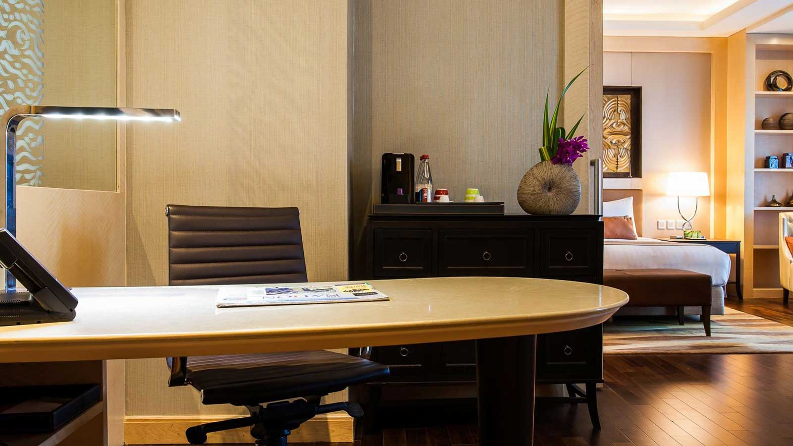Working Desk in Executive Suite